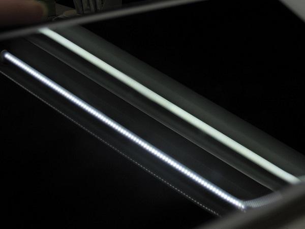 LEDと蛍光灯の見分けイメージ